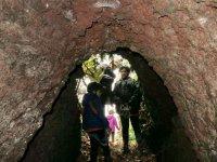 Entrando en la cueva