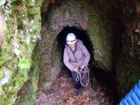 Saliendo de la cueva con frontal