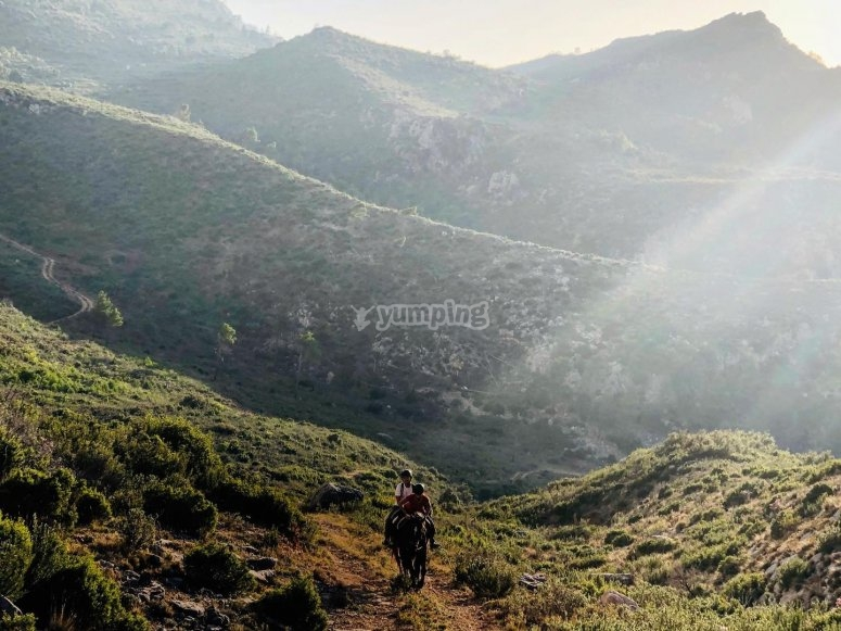 Ruta a caballo por los montes del Cavall
