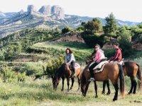 Ruta a caballo por el mirador de Grilló