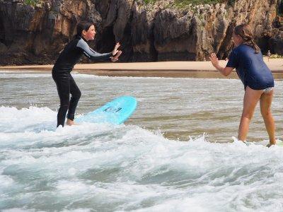 Campamento de surf con pensión completa en Llanes