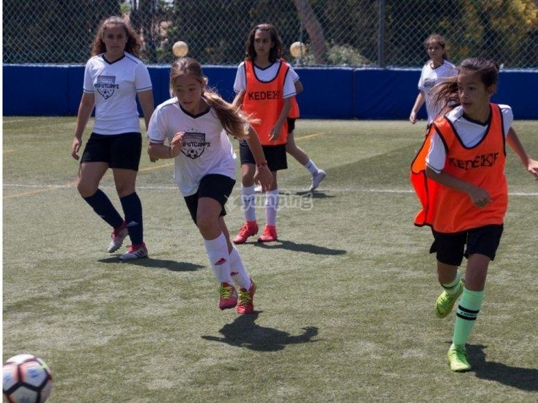 Campo di calcio per bambini di 4 anni
