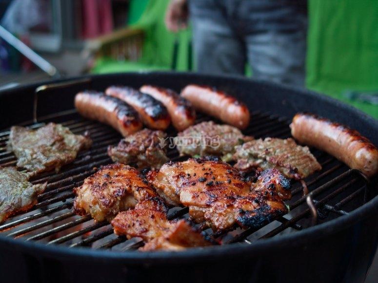 Barbecue con chorizos di villaggio