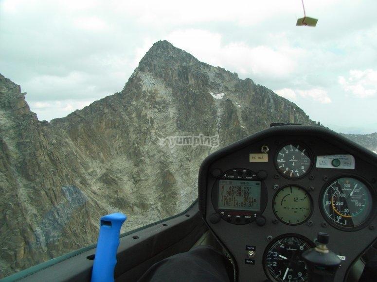 Sobrevolando picos en Huesca