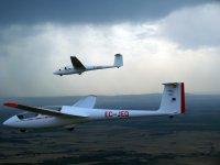 Prácticas de vuelo en planeador Santa Cilia