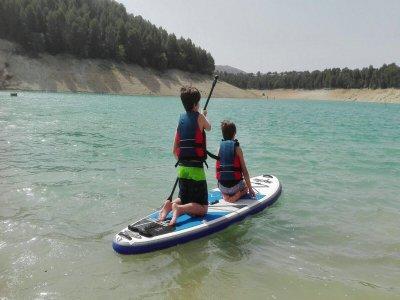Cumpleaños Multiaventura kayak y SUP 2 h Cubillas