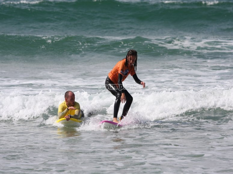 Surfing classes for beginners or advanced students