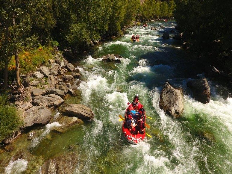 Rafting despedida de soltero aguas bravas