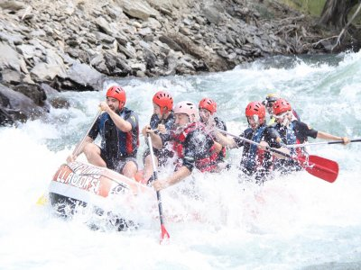 Family Rafting and Adventure circuit in Lleida