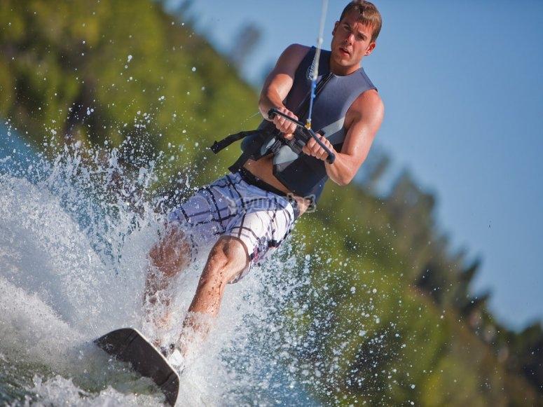 滑水板和水上活动