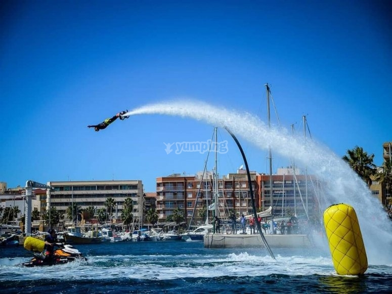 Acrobatics in the air with the flyboard