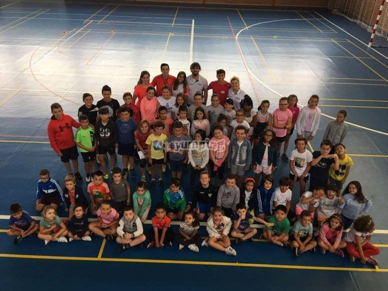 男孩和女孩球队普拉维亚校区