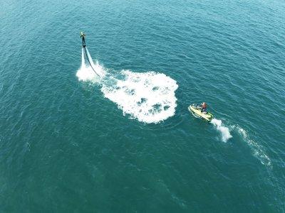 Flyboard en la costa de Gijón vuelo de 20 minutos