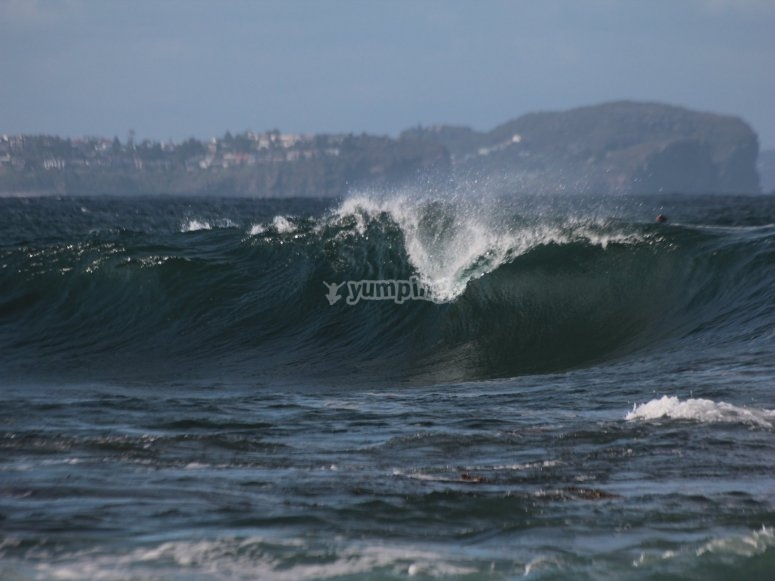 Perfect waves to initiate yourself in surfing in Dénia