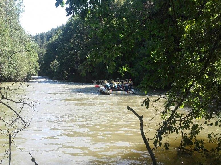 Rafting familiar en el río Ebro