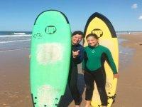 Surfers con sus tablas