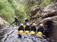 Descenso de barrancos con vistas a los Picos de Europa