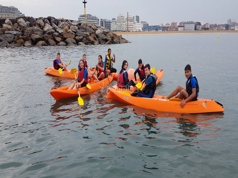 Double kayak excursion with friends in Gijón