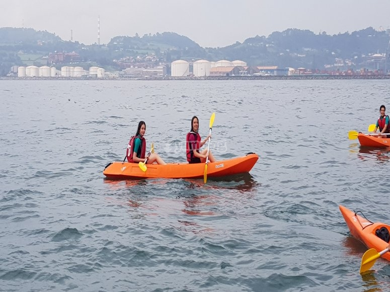 Two-seater kayak route from the port of Gijón