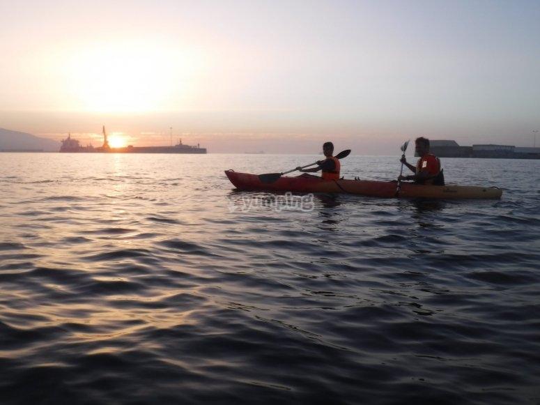 Salida nocturna en kayak para 2 Ceuta