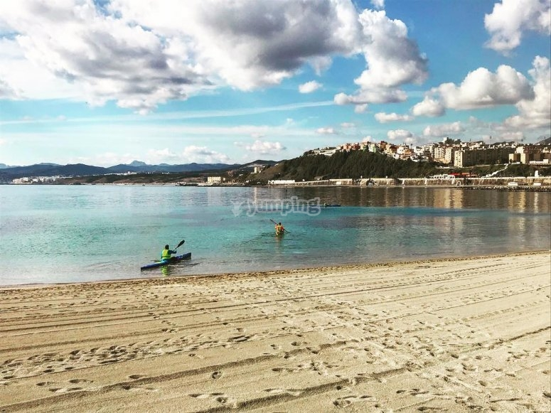 Salida en kayak desde playa Ceuta