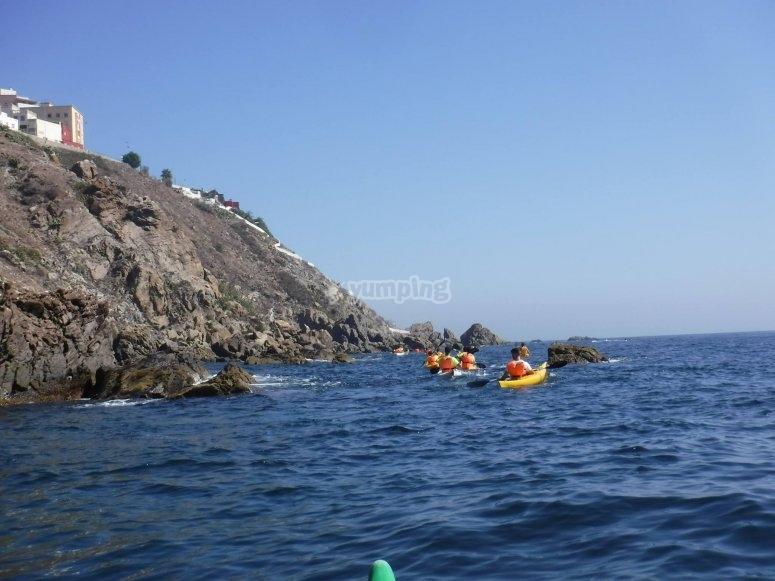 Ruta en kayak hacia el faro de Ceuta