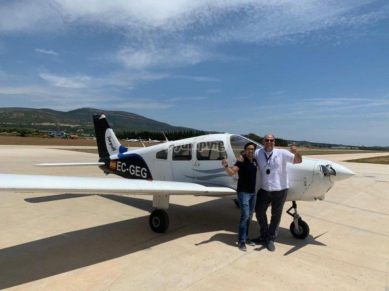 Piloto y alumno de vuelo en Requena
