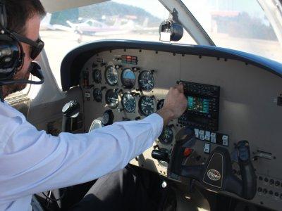 雷克纳3航班的红男爵启动课程