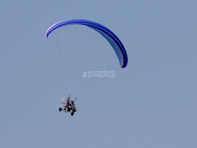 Initiation to paramotor flight in Valencia