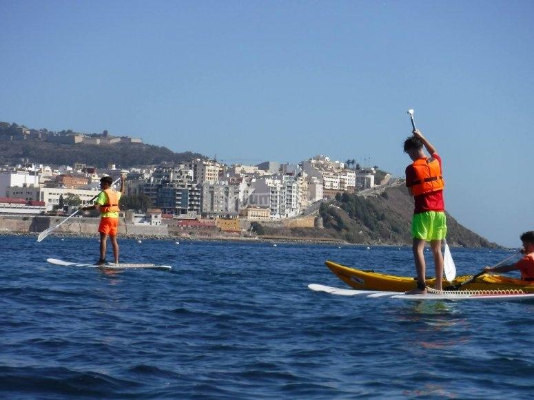 SUP en las piscinas naturales de Ceuta