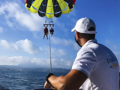 Parasailing flight in El Campello 15 minutes