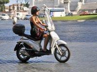 Noleggia uno scooter Liberty da 55 cc Torrox