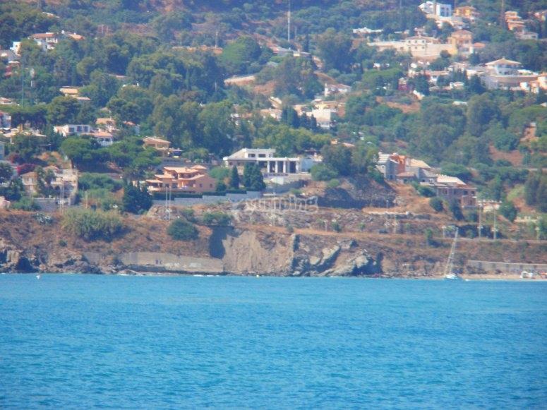 Paseo en velero por costa malagueña