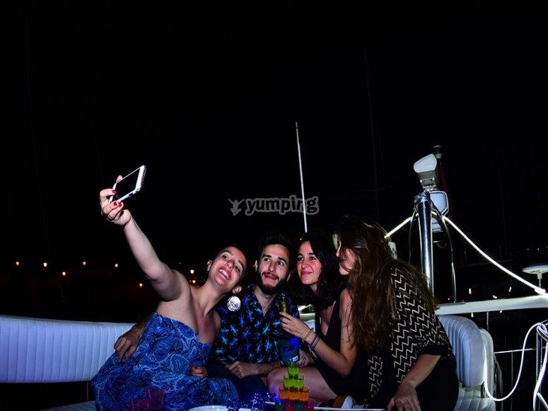 Reunión en el barco
