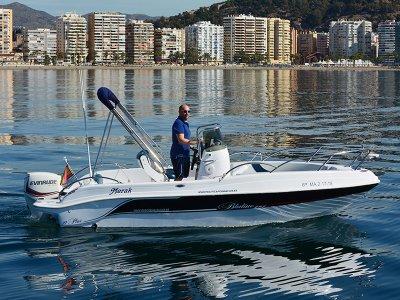 租船或不带船长PuertodeMálaga