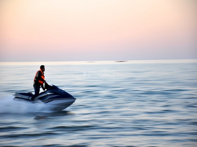 Navigation title piloting jet skis