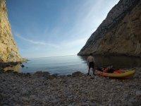 Piragüísmo hacia cueva de Las Palomas