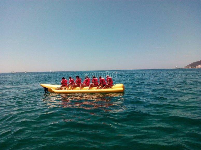 Banana boat para grupos en La Garrucha