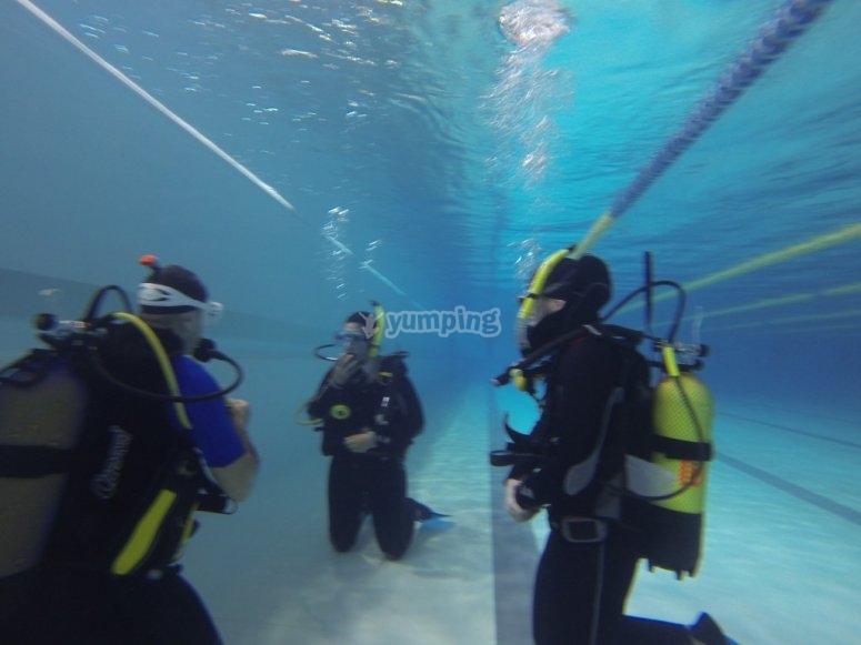 Práctica de buceo en piscina Telde