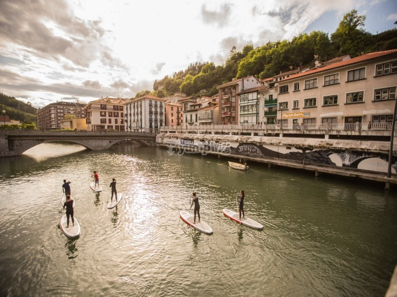 Ondarroa paddle surf ride