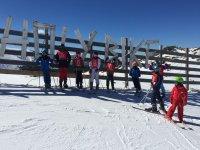 Menores en la estacion de esqui