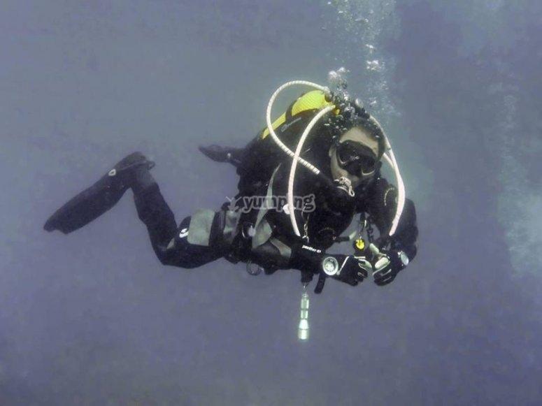 专业潜水教练