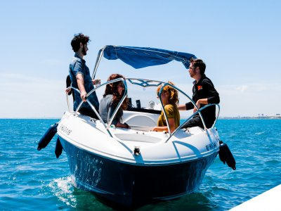 Boat rental wth no license Calafat, Peak Season