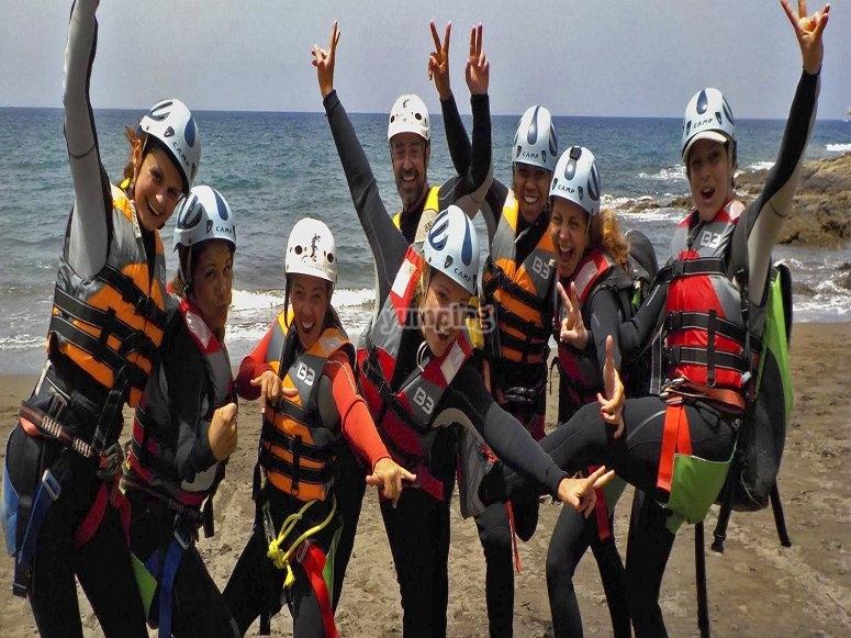 Momentos previos a practicar coastering en Gran Canaria