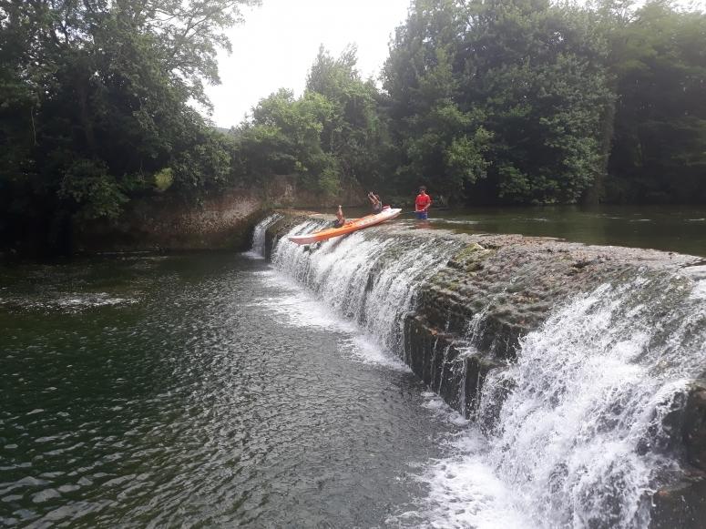 Tour en canoa por río Asón