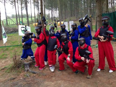 Partida paintball en Zarautz en bosque 100 bolas