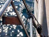 帆船航行的前方