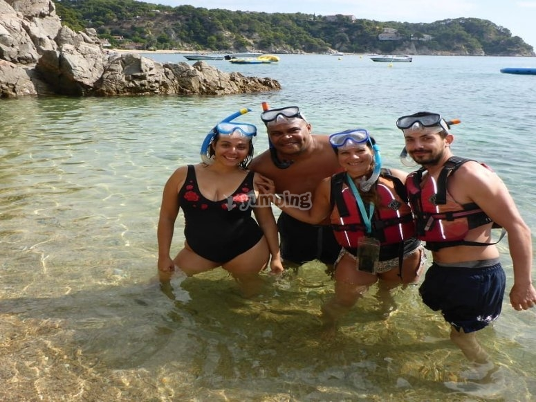 Snorkelling in coves