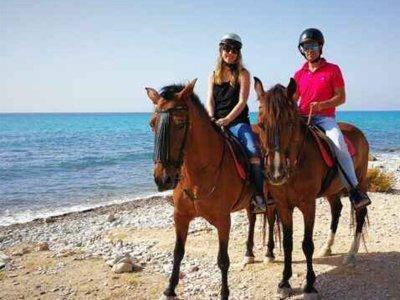 Villajoyosa骑马和开胃酒1小时30分钟