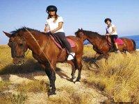 带孩子的骑马Villajoyosa